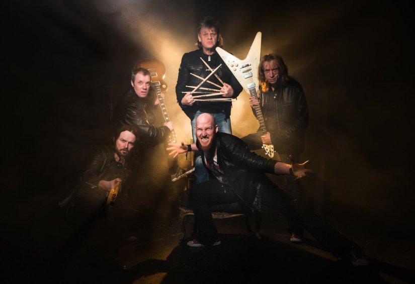 Diamond Head Band Pic
